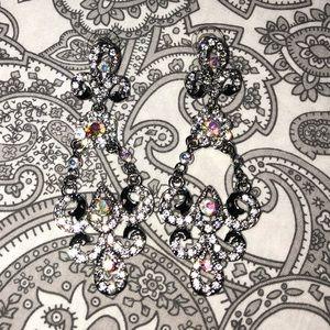 Jewelry - ⬇️ Long rhinestone earrings